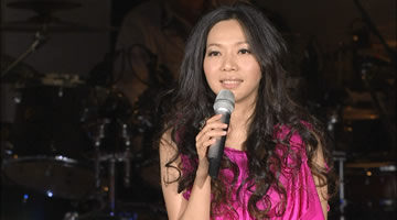万芳<你所不知道的那些夜晚>亚洲巡回演唱会台北站2010【41.5G】1080P蓝光原盘.台版