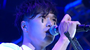 Mr.乐队<Mr Everyone Concert 01>震撼红馆演唱会2010【43.5G】1080P蓝光原盘.港版