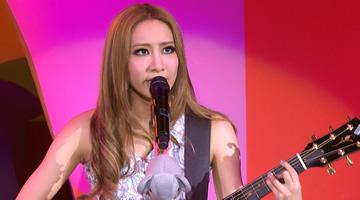 吴雨霏<Kary Ng The Present Concert>香港红馆演唱会2013【34.9G】1080P蓝光原盘.港版